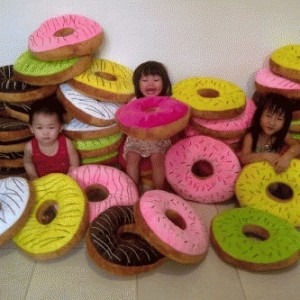 Bantal Donat 45cm Donut Pillow Velboa Dacron Tebal – 186