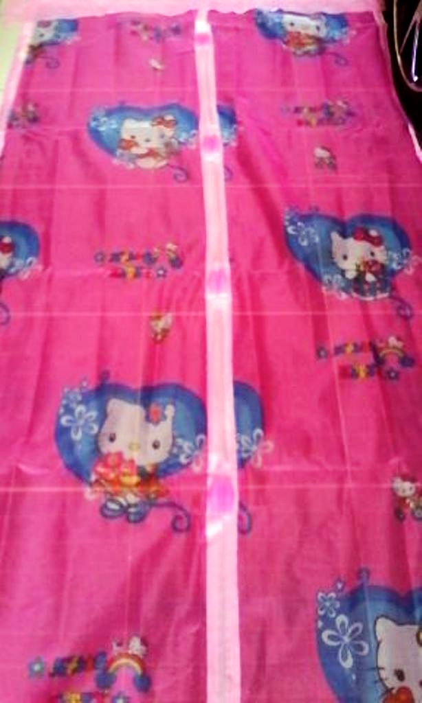 Tirai Magnet Anti Nyamuk Motif Hello Kitty Angry Bird Magic Curtain - 645